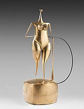 Philippe HIQUILY (1925 - 2013) LA FEMME QUI MARCHE - 1990 Laiton poli, flexible et moteur