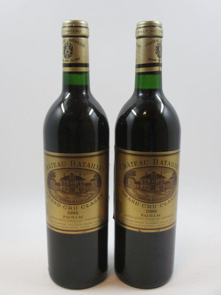 6 bouteilles CHÂTEAU BATAILLEY 1986 5è GC Pauillac (base goulot, étiquettes léger décolées) Caise bois d'origine (cave 17)