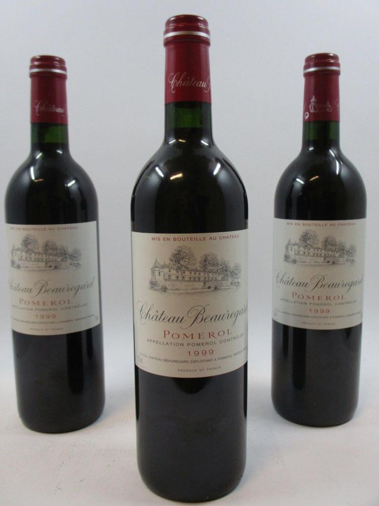 12 bouteilles CHÂTEAU BEAUREGARD 1999 Pomerol Caisse bois d'origine (abimée) (cave 13)