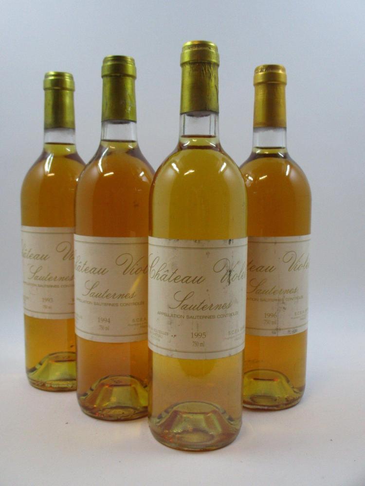 8 bouteilles 2 bts : CHÂTEAU VIOLET 1993 Sauternes (étiquettes fanées)2 bts : CHÂTEAU VIOLET 1994 Sauternes (étiquettes fanées)2 bts...