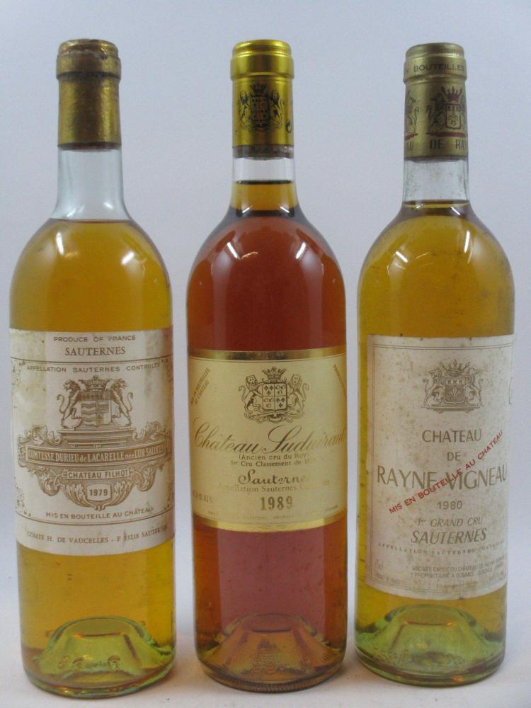 3 bouteilles 1 bt : CHÂTEAU FILHOT 1979 2è cru Sauternes (légèrement bas, étiquette abimée, capsule abimée)1 bt : CHÂTEAU SUDUIRAUT ...