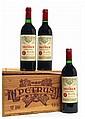 12 bouteilles PETRUS 1985 Pomerol (dont 1 capsule comportant une petite déchirure dans le bas