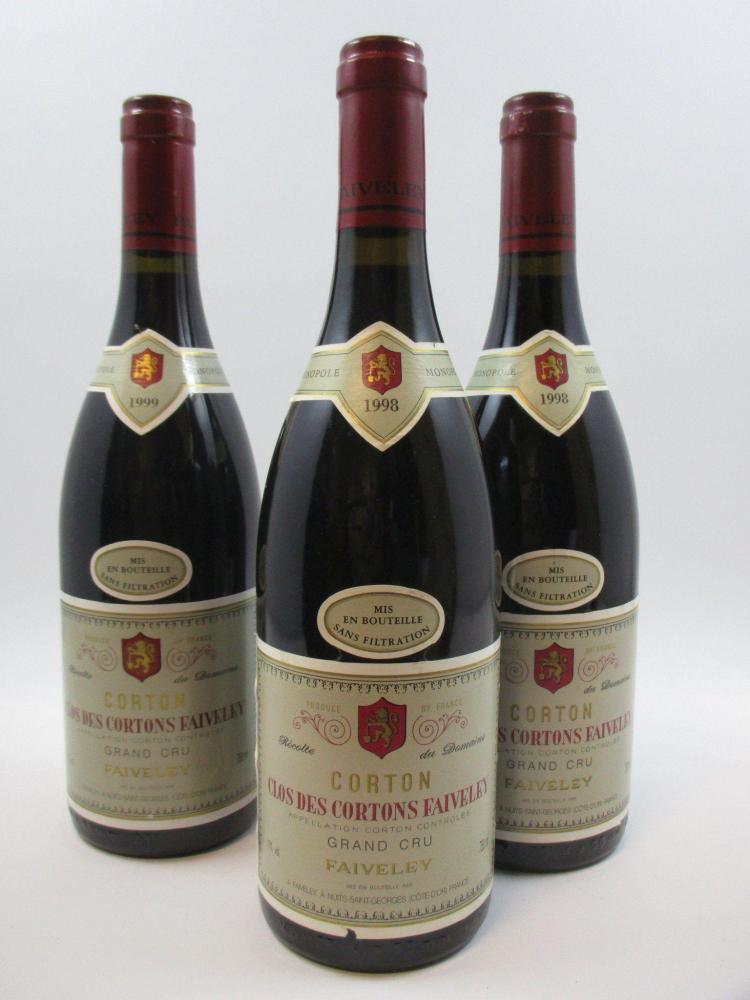 3 bouteilles 2 bts : CORTON CLOS DES CORTON 1998 Grand Cru. Domaine Faiveley1 bt : CORTON CLOS DES CORTON 1999 Grand Cru. Domaine Fa...