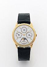 PIAGET ASTRONOMIQUE N° 15958/525504 vers 1990 Rare et belle montre bracelet à triple quantième et phase de lune en or. Boîtier r...