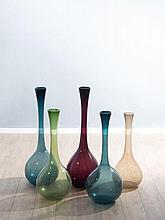 Arthur PERCY 1886-1976 Ensemble de cinq vases - vers 1950 Verre soufflé coloré