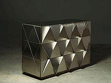 Françoise SEE  Commode - Circa 1970 Structure en bois, façades et flans en acier inoxydable brossé