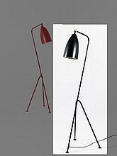 Greta MAGNUSSON GROSSMAN (1906-1999) LAMPADAIRE DIT « GRASSHOPPER » – 1947 Métal laqué noir