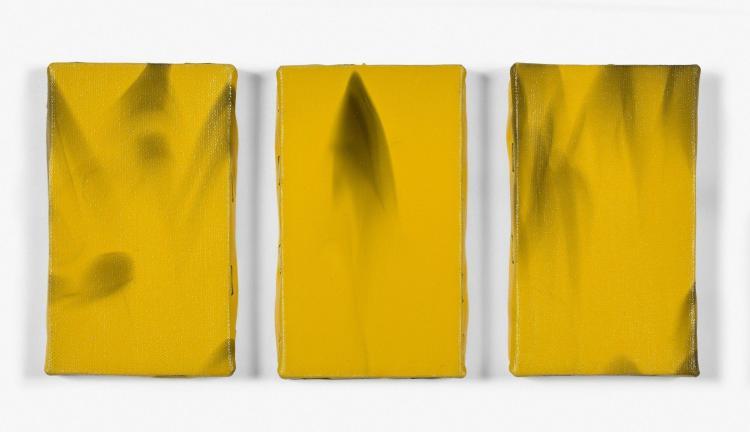 Noël DOLLA (Né en 1945) LES PRECIEUSES D'HÔTEL - 1996 Noir de fumée et acrylique sur toile (triptyque)