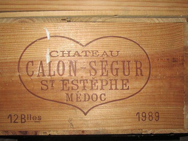 12 bouteilles CHÂTEAU CALON SEGUR 1989 3è GC Saint Estèphe (étiquettes abimées par humidité) Caisse bois d'origine