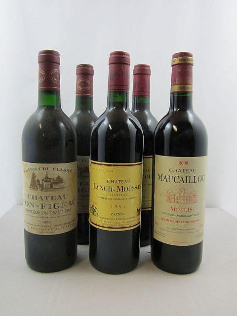 5 bouteilles 2 bts : CHÂTEAU YON FIGEAC 1989 GCC Saint Emilion (base goulot, étiquettes fanées)