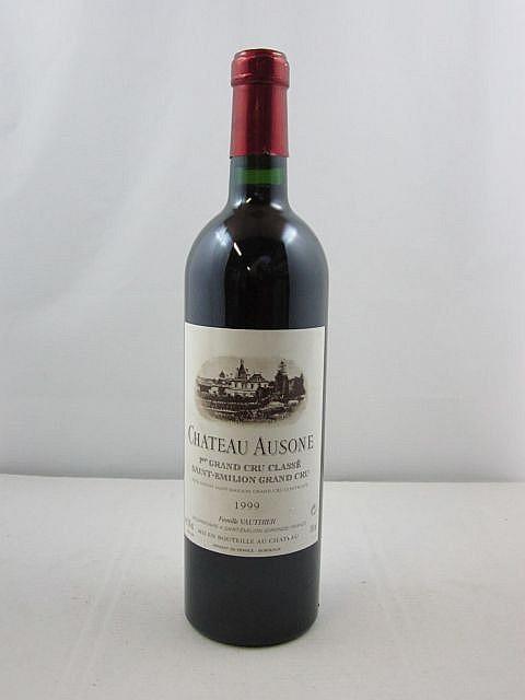 1 bouteille CHÂTEAU AUSONE 1999 1er GCC (A) Saint Emilion (capsule légèrement abimée)