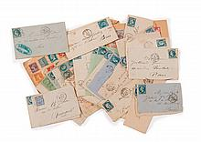 France - Ensemble d'enveloppes affranchies de timbres-poste anciens dentelés, de timbres semi modernes, de timbres de Poste aérienne..