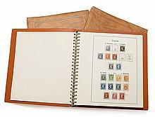 France - Collection de timbres-poste neufs et oblitérés, réunie en 5 volumes Yvert & Tellier, anciens tous états. Joint, deux classe...