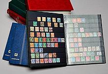 Tous pays - 7 Albums et classeurs contenant des timbres-poste neufs et oblitérés, principalement 20e siècle