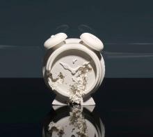 Daniel ARSHAM Né en 1980 CLOCK (FUTURE RELIC DAFR03) - 2015 Plâtre et verre pillé