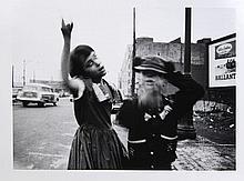 William KLEIN (Né en 1929) Dance in Brooklyn, New York, 1955 Tirage argentique postérieur