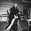 Henri ELWING (Né en 1925) Christian Dior dans son atelier Tirage argentique sur papier baryté