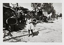 Bernard PLOSSU (Né en 1945) Retour à Mexico, Hommage à Luis Bunuel (1970) Tirage argentique