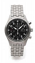IWC  SPITFIRE Réf. 3717 Vers 2010 Beau chronographe bracelet en acier. Boîtier rond. Couronne et fond vissés. Cadran noir avec 3 c...