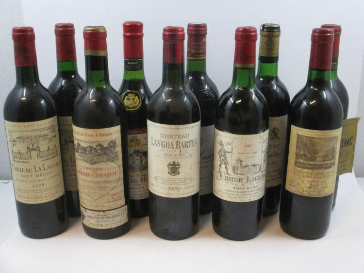 12 bouteilles 1 bt : CHÂTEAU CALON SEGUR 1962 3è GC Saint Estèphe (légèrement bas, étiquette abimée)1 bt : CHÂTEAU RAUZAN SEGLA 1976...