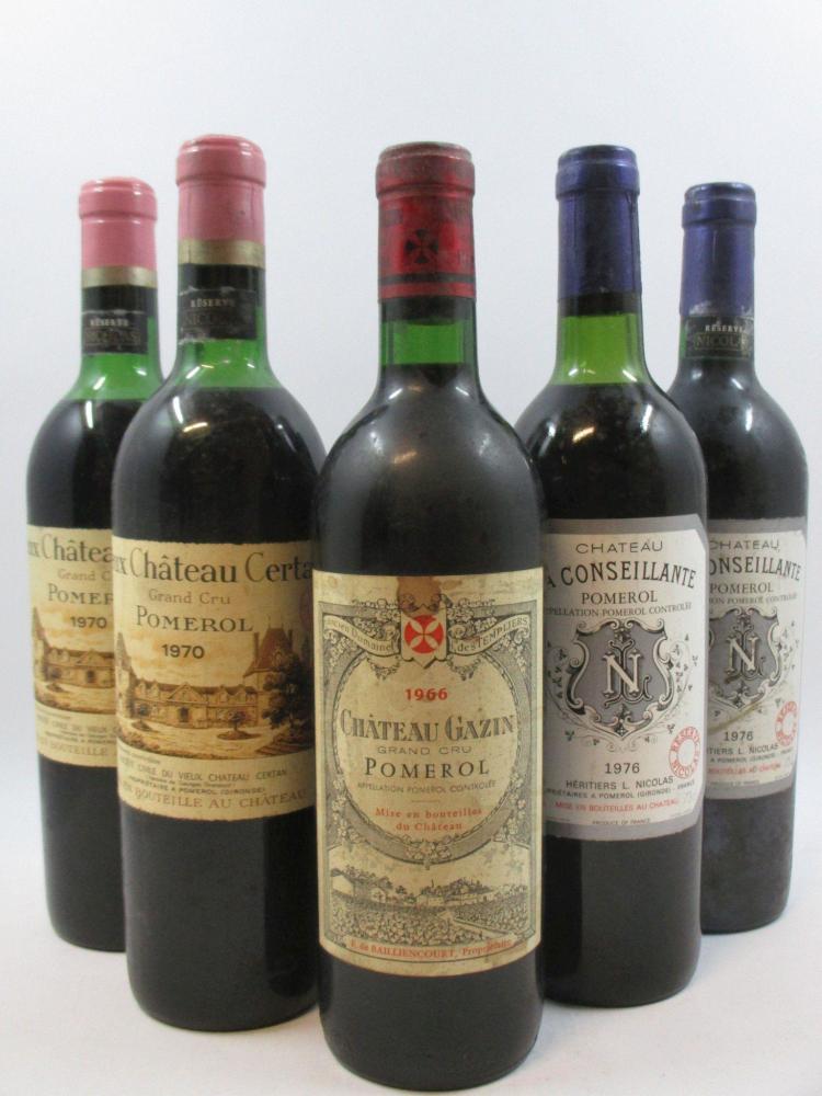 5 bouteilles 1 bt : CHÂTEAU GAZIN 1966 Pomerol (étiquette très abimée, capsule abimée)2 bts : CHÂTEAU LA CONSEILLANTE 1976 Pomerol (...