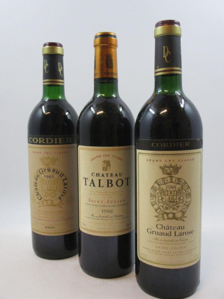 6 bouteilles 1 bt : CHÂTEAU GRUAUD LAROSE 1988 2è GC Saint Julien (légèrement bas)3 bts : CHÂTEAU GRUAUD LAROSE 1985 2è GC Saint Jul...