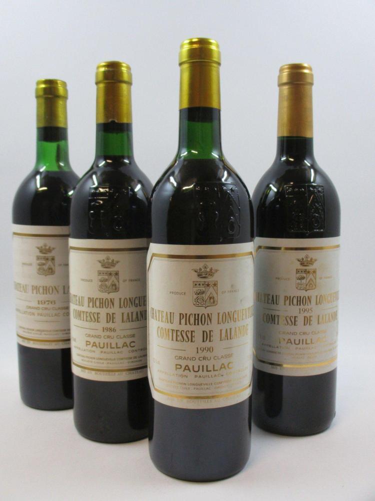 4 bouteilles 1 bt : CHÂTEAU PICHON COMTESSE DE LALANDE 1976 2è GC Pauillac (légèrement bas)1 bt : CHÂTEAU PICHON COMTESSE DE LALANDE...