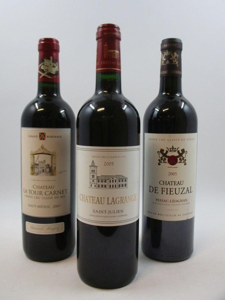 12 bouteilles 2 bts : CHÂTEAU DE FIEUZAL 2005 CC Pessac Léognan 1 bt : CHÂTEAU LAGRANGE 2005 3è GC Saint Julien 9 bts : CHÂTEAU...