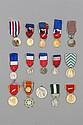France Lot de 15 médailles : Mérite Social (manque le nœud de la rosette)