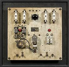 Vassiliakis TAKIS (né en 1925) ELECTRONIQUE, circa 1973 Technique mixte et système électrique