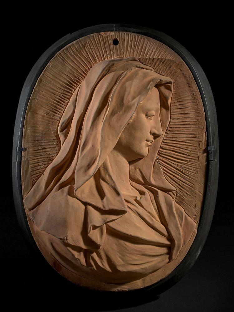 Attribué à Laurent Delvaux Gand, 1696 - Nivelles, 1778 Profil de la Vierge Bas-relief en terre cuite de forme ovale