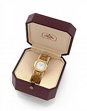 PATEK PHILIPPE NAUTILUS, réf. 4700/051, n° 1530896, vers 1990 Belle montre bracelet de dame en or 18K (750). Boîtier coussin. Ca...