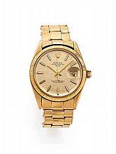 ROLEX OYSTER DATE réf: 1503 n° 2700137 vers 1971 Belle montre bracelet en or. Boîtier rond. Couronne et fond vissé. Lunette or s...