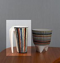 Roger CAPRON (1922 - 2006) Grand broc - circa 1960 Céramique et émail polychrome