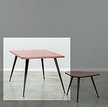 Jean PROUVE (1901 - 1984) Table - commande spéciale - circa 1950 Piètement en tôle d'acier pliée laquée