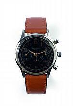 TAVANNES pour HERMES PARIS Vers 1940 Beau chronographe bracelet en acier. Boîtier rond, poussoirs rond. Fond vissé par 4 vis au...
