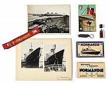 PAQUEBOT NORMANDIE  Ensemble de souvenirs et photographies