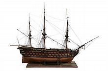 IMPORTANTE MAQUETTE DU HMS VICTORY  Vaisseau de 1er rang de 104 canons, vaisseau amiral commandé par Horatio Nelson