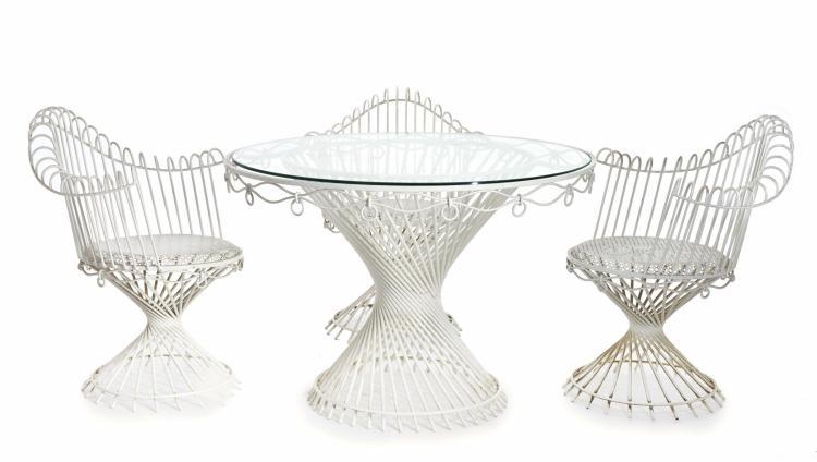 """Mathieu MATEGOT (1910 - 2001) Ensemble comprenant une table et trois fauteuils de jardin dit """"Anthéor"""" - Création 1951 Structure en..."""