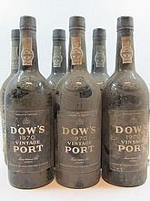 6 bouteilles PORTO DOW'S 1970 Vintage (étiquettes très abimées)