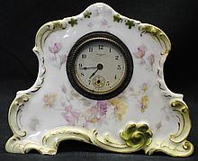 New Haven mental clock in porcelain case