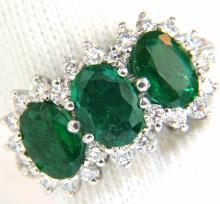 3.47ct 18Kt Natural Vivid Green Emeralds Diamond Ring