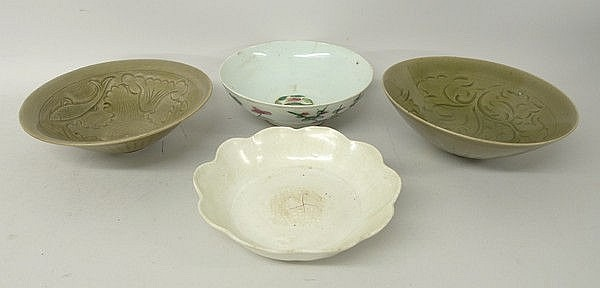 A group of four Chinese Song / Yuan type porcelain