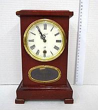 Mantelpiece clock, by Schmidt,