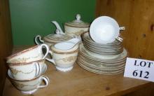 A decorative Noritake part tea service approx 20 pieces est: £30-£50 (F9)