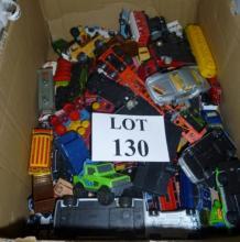 A quantity of vintage model cars (a/f) est: £20-£40 (BB27)