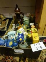 A mixed lot of decorative ceramics to include jars and vases etc est: £30-£50 (BF26)