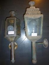 Two outside carriage wall lanterns est: £10-£20 (ABH)