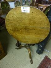 An 18c country oak tripod tilt top table est: £50-£100