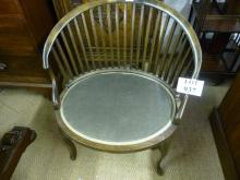 An early 20c spindle back oval chair with cabriole legs est: £40-£60
